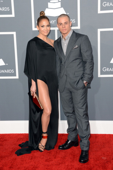 Jennifer López y casper Smart Grammy Awards 2013